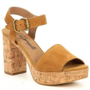 Free People NIB Brooke Platform Sandals Taupe 10